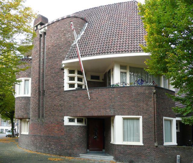 дом в стиле арт деко
